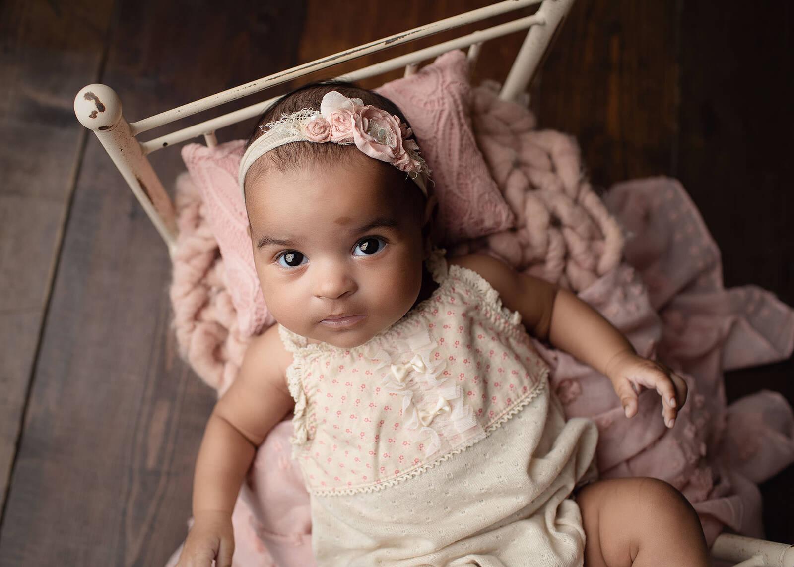 baby girl photo session in studio