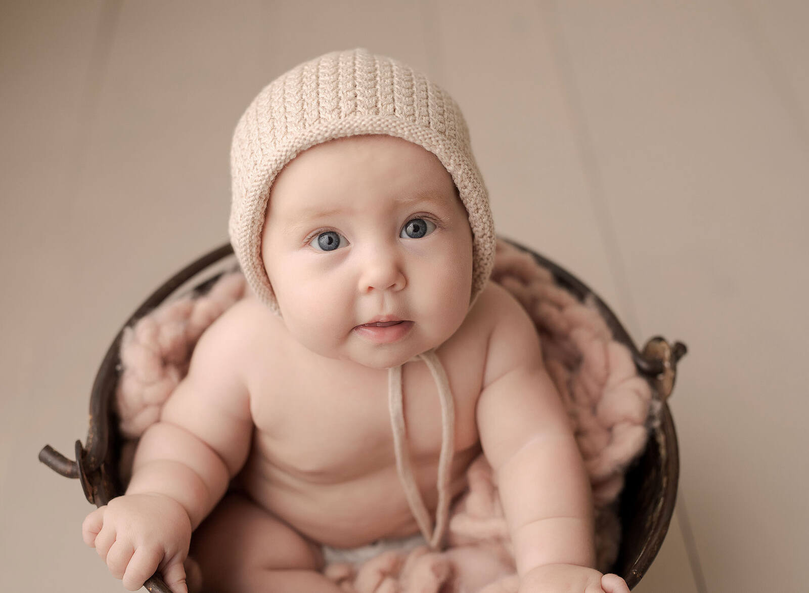cute baby girl photo session